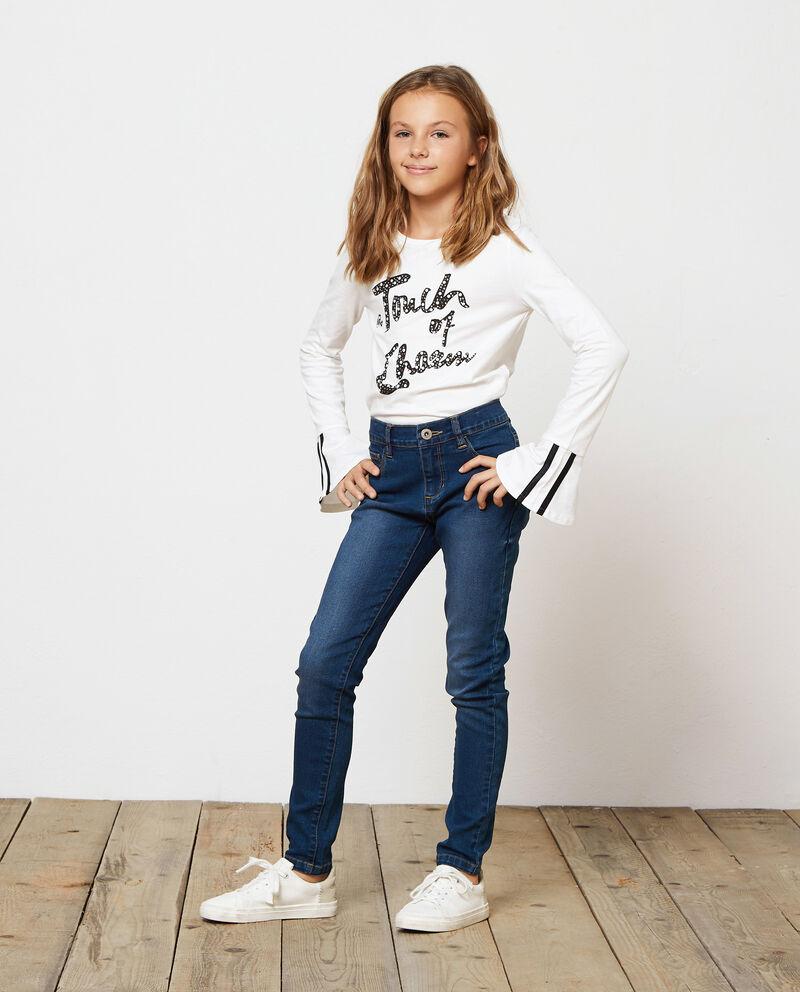 Jeans stretch tinta unita con bottone