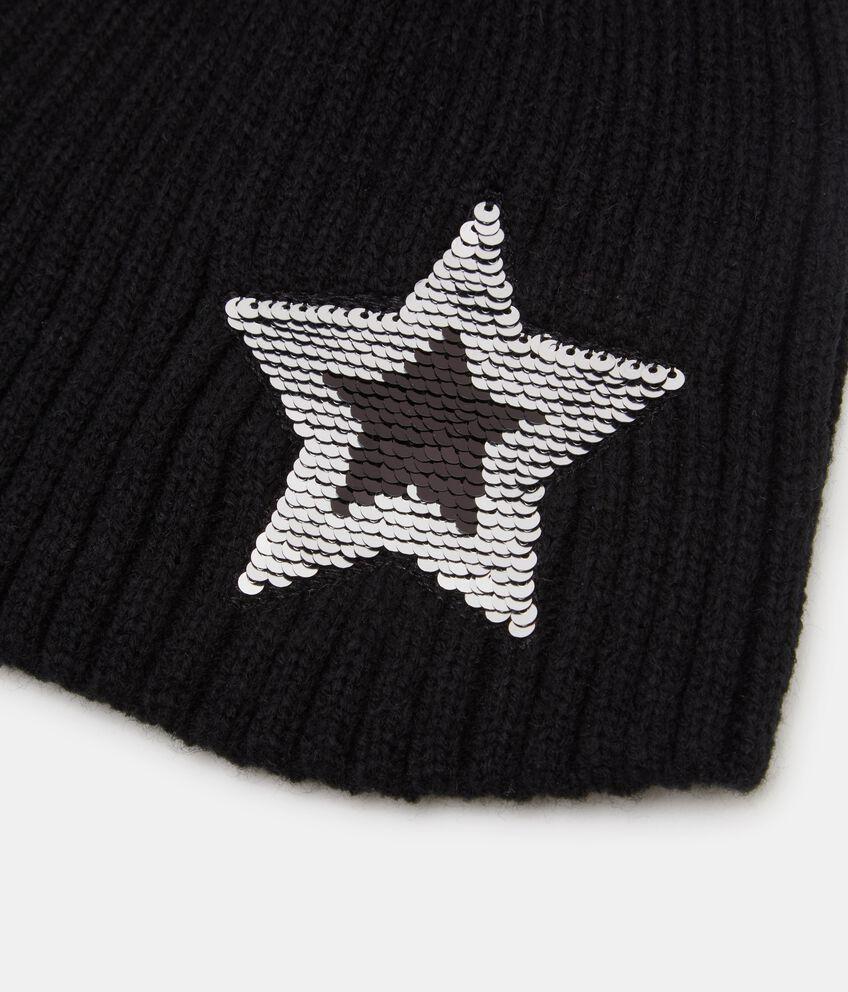 Cappellino con stella in paillettes
