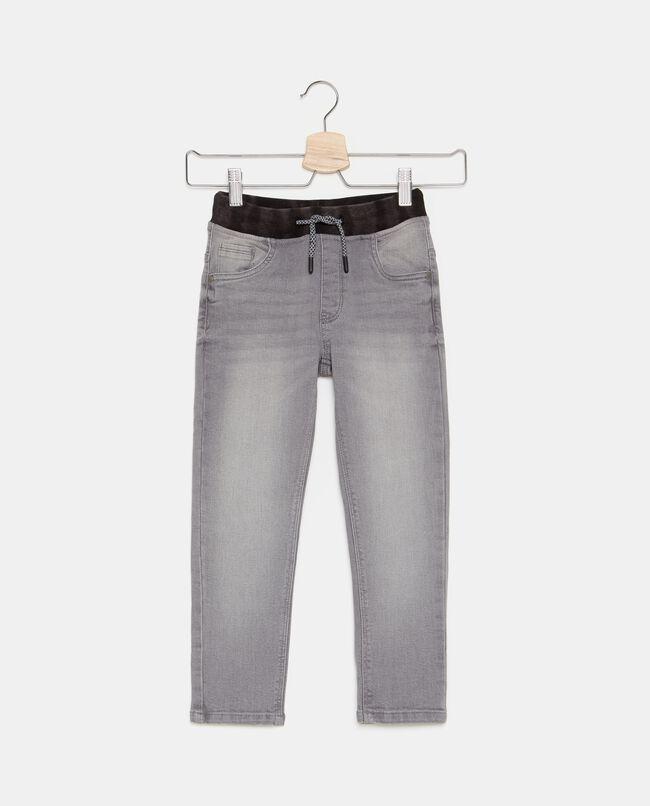 Jeans con cordoncino