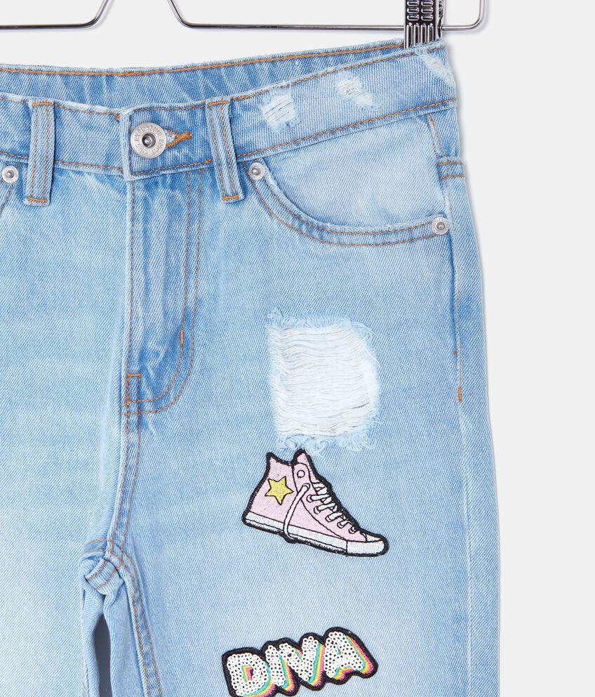 Jeans con patch ragazza