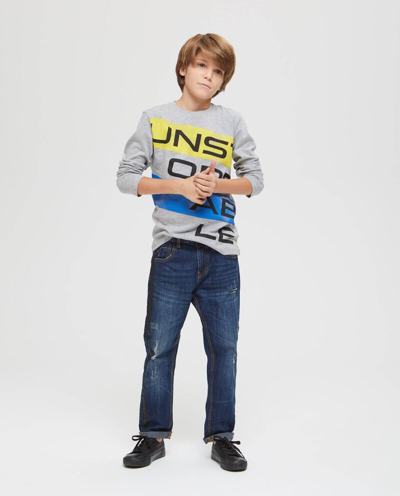 Jeans bande a contrasto e stampa