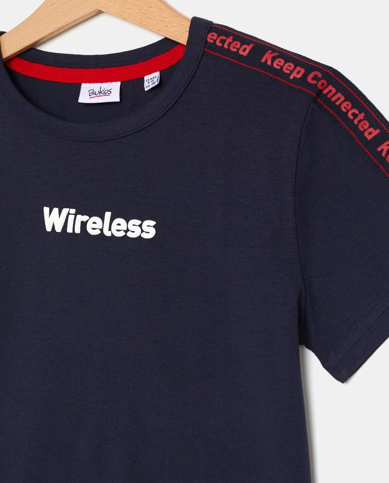 T-shirt con bande lettering ragazzo