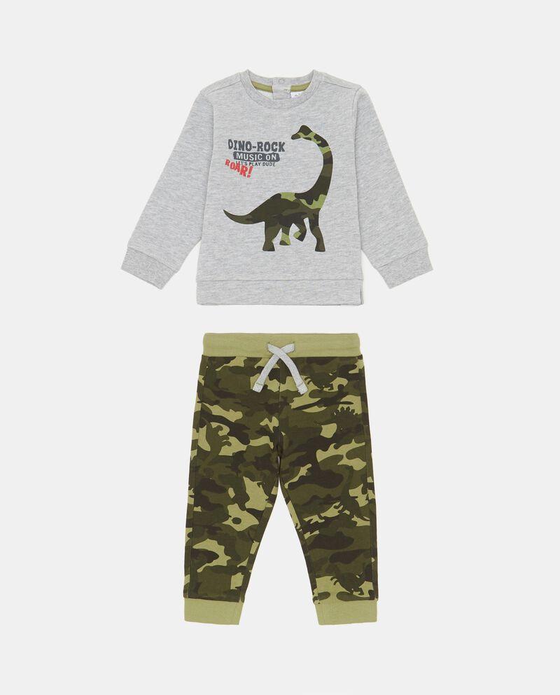 Tuta con felpa stampata e pantaloni camouflage