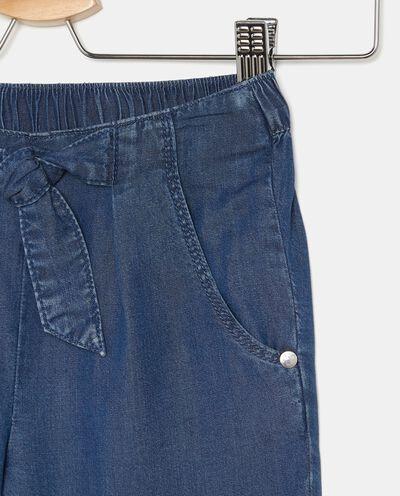 Pantaloni effetto denim