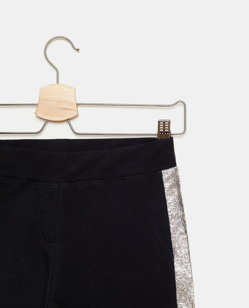 Pantaloni con bande metallizzate