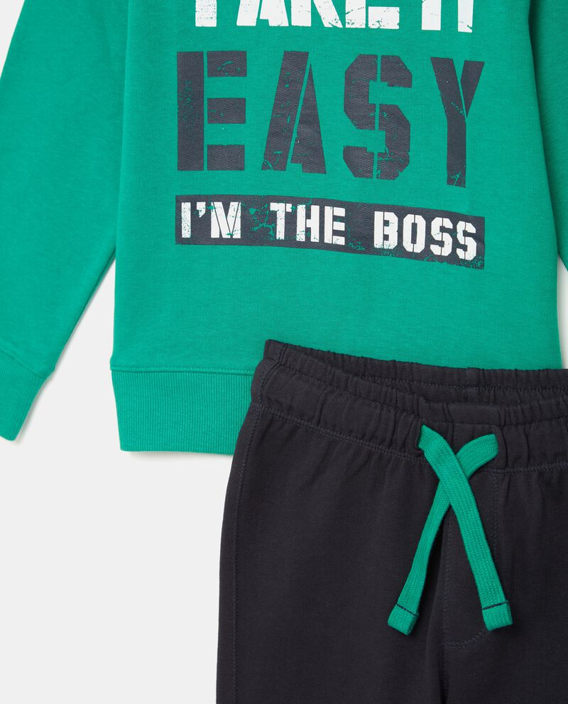 Set jogging con maglia e pantaloni