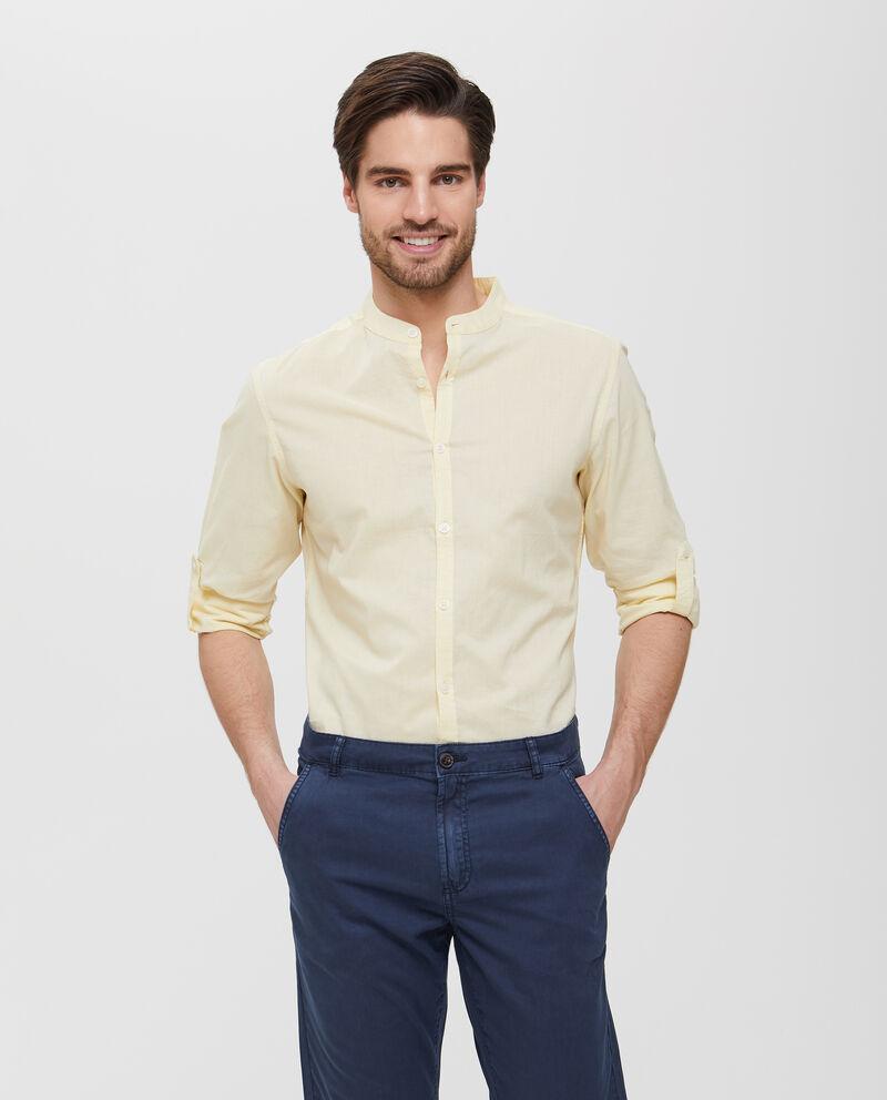 Camicia gialla in puro cotone con colletto alla coreana uomo