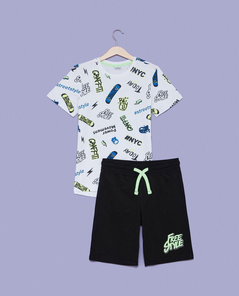Set t-shirt lettering e shorts ragazzo