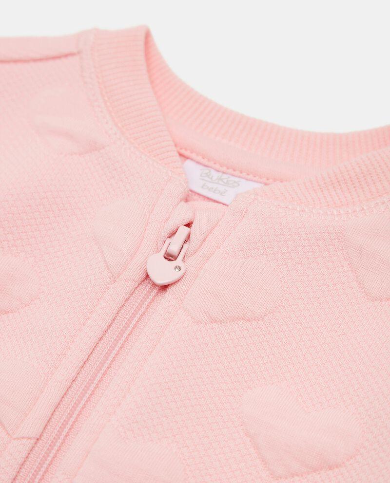 Felpa con rilievi cuoricini neonata