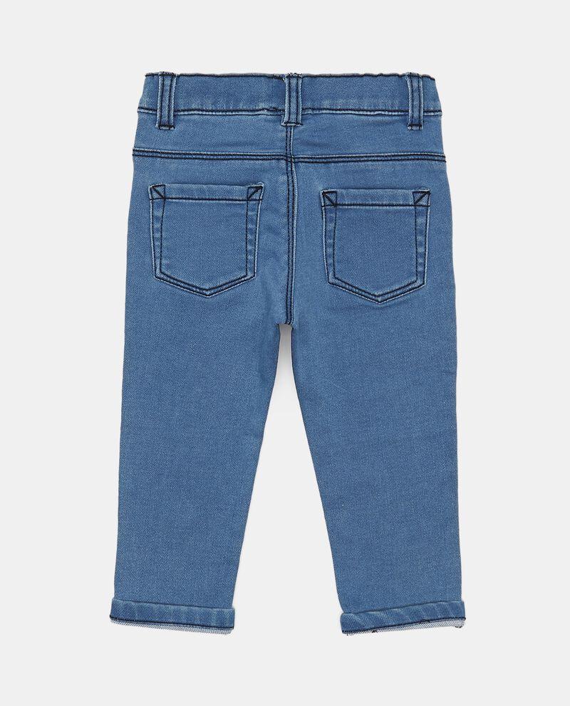 Jeans cuciture a contrasto
