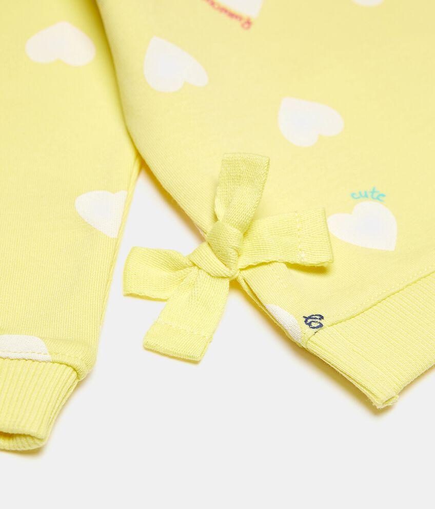 Felpa girocollo in cotone elastico con fantasia cuori neonata