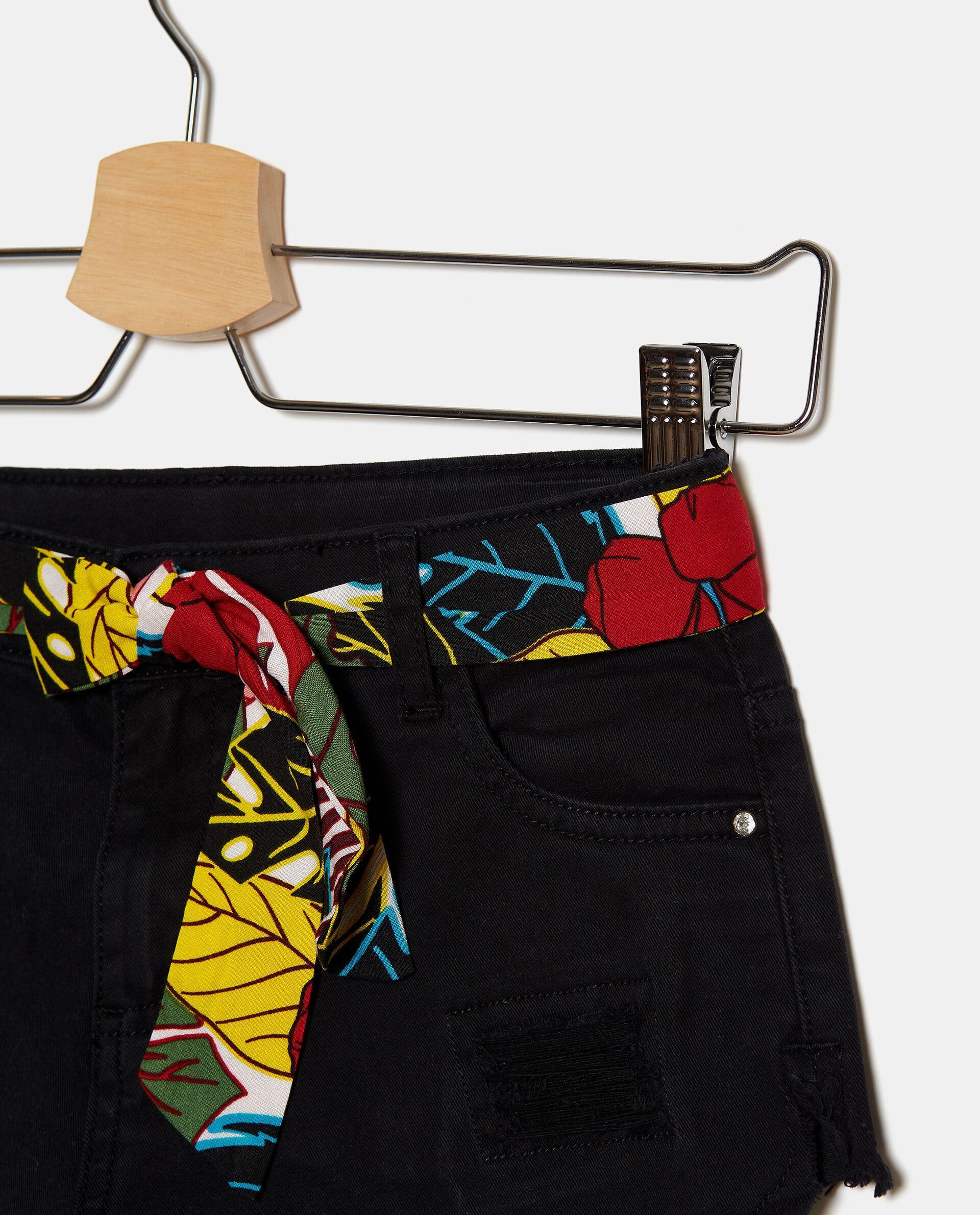 Shorts denim in cotone stretch con strappi ragazza