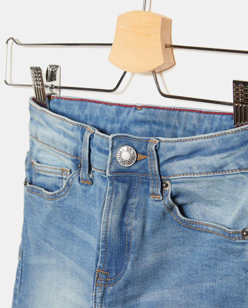 Jeans cinque tasche con delavati bambino