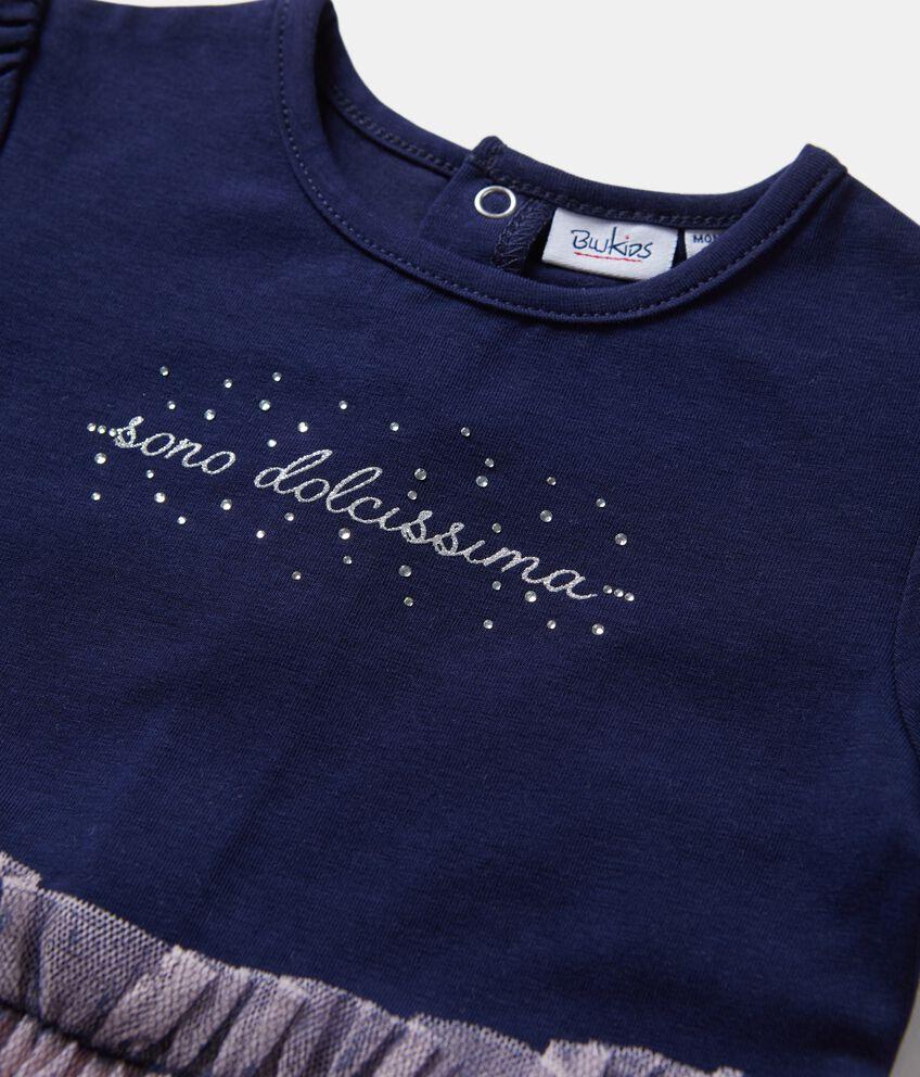 Vestitino con velo sul fondo neonata