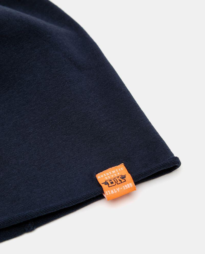 Berretto tinta unita con etichetta in cotone organico single tile 1