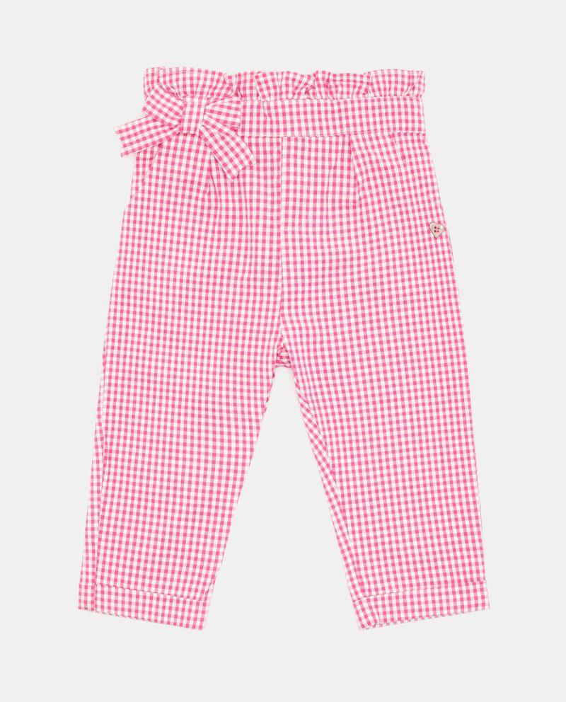 Pantaloni con motivo a quadri neonata cover