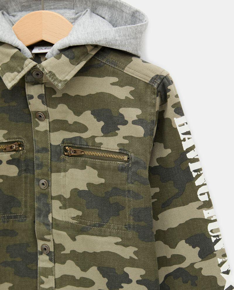 Camicia con stampa camouflage e cappuccio bambino single tile 1