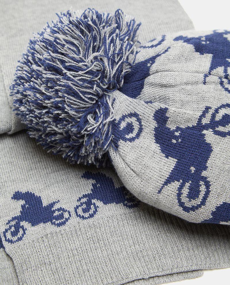 Set con berretto e sciarpa