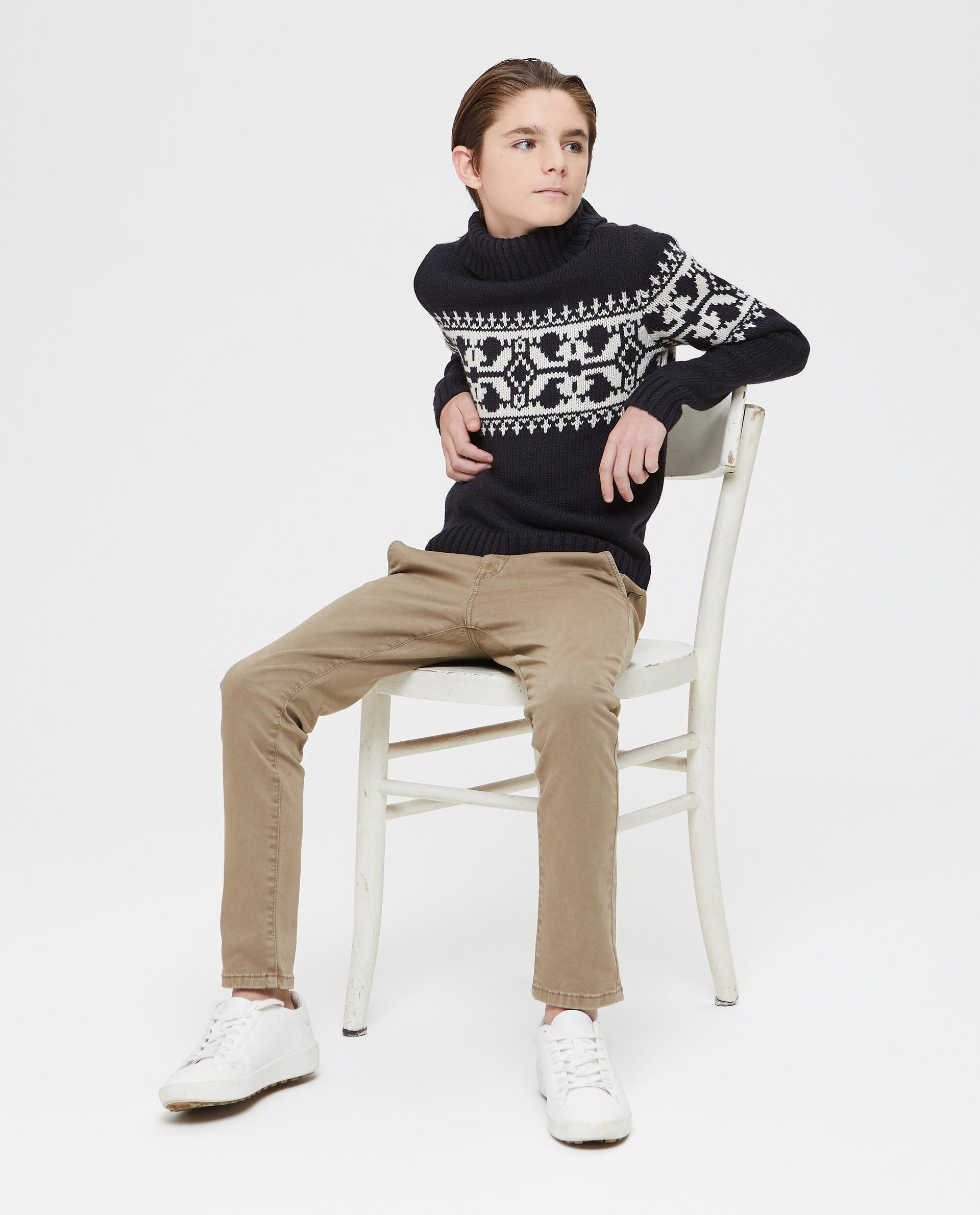 Maglione con ricamo a contrasto ragazzo